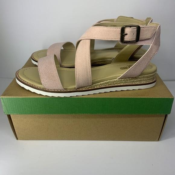 JAMBU cayman jb19cay69 blush size 10M new with box
